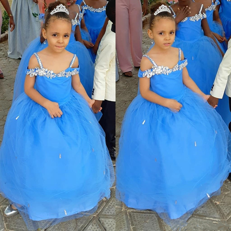 Beautiful Blue Tulle Flower Girl Dress With Sparkly Crystals Spghetti Straps For Wedding Floor Length Girls Pageant Gowns New Long Formal Wears