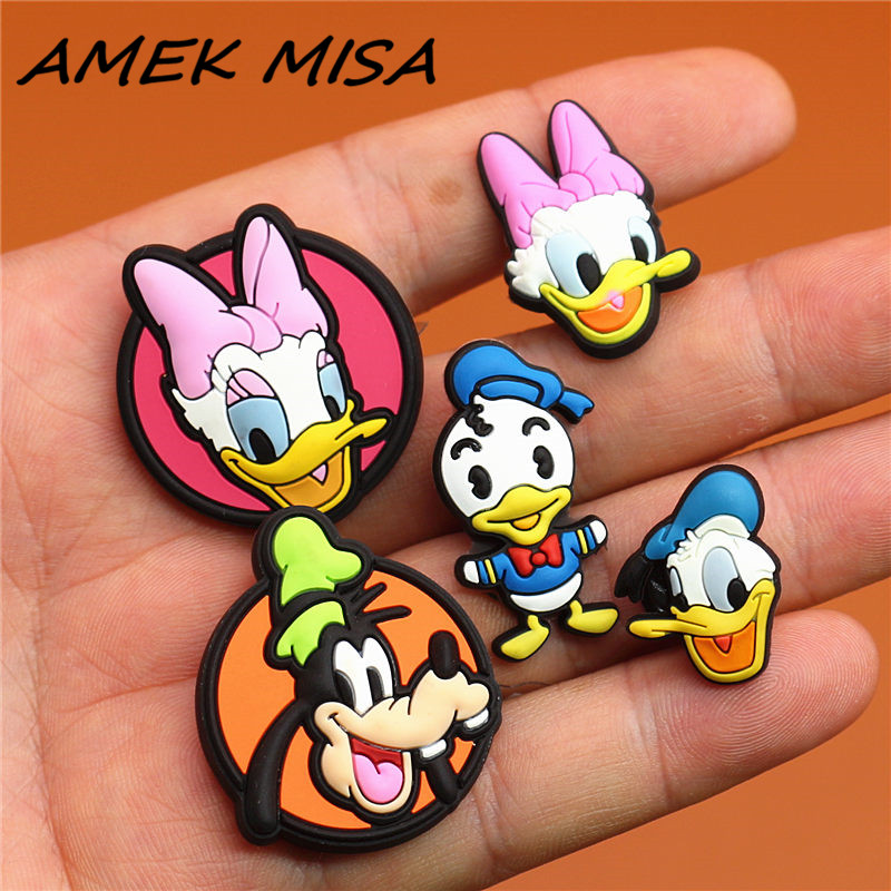 Single Sale 1pcs Original Shoe Charms Goofy Donald Duck Daisy Garden Shoe Accessories Decorations Fit For Croc JIBZ Kids Gifts