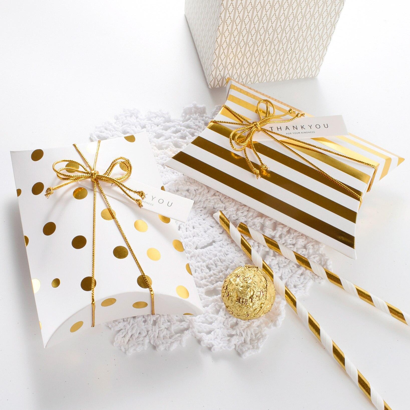Missye Store High-grade Gold Stamping Creative  Customized Happy Box Pillow Shape Chritmas Gift Box