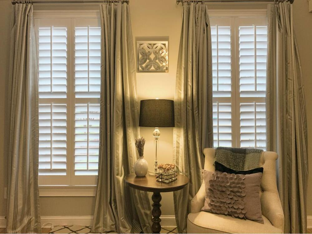 Custom Basswood Plantation Shutters  Wooden Blinds Solid Wood Shutter Louver PS205