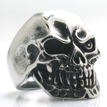Man's 316L Stainless Steel Gothic Flaming Biker Rider Skull Ring Classic