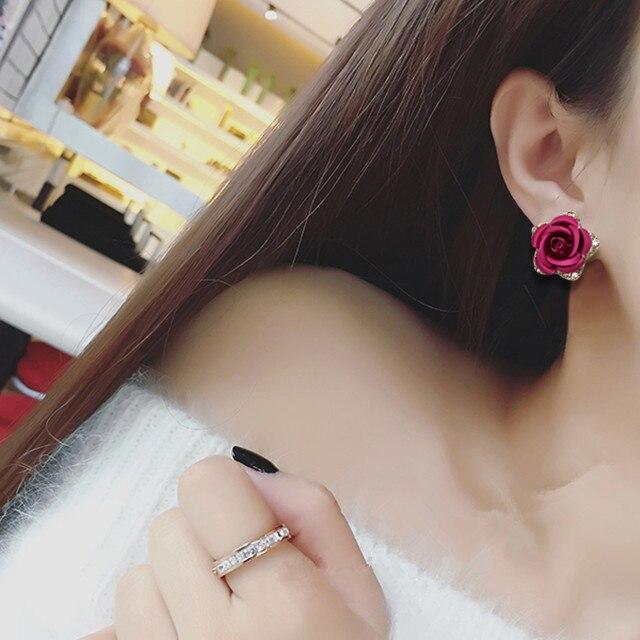 Cercei cu flori din aur roz Culoare floare Roșu Albastru Purpuriu CZ - Bijuterii de moda - Fotografie 2