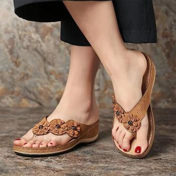 Damskie sandały z wzorem w kwiaty 2020 letnie kapcie na platformie buty damskie w stylu Vintage klapki damskie damskie sandały damskie Lady Casual Slide tanie i dobre opinie Litthing Med (3 cm-5 cm) 3-5 cm Pasuje prawda na wymiar weź swój normalny rozmiar 101400 FLIP FLOPS Płytkie Kwiatowy