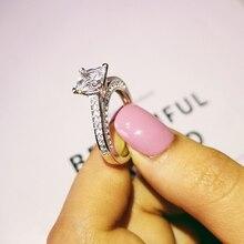 Однотонные поступления Настоящее 925 пробы Серебряное свадебное обручальное кольцо Принцесса Cut Модные популярные ювелирные изделия оптом персонализированные R645