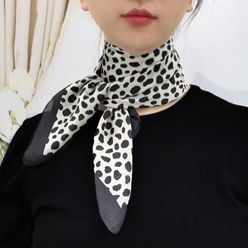 Новый Для женщин шелковый шарф с леопардовым принтом квадратный 2020 оголовье Платки женские шалей принт маленький шарф платок-бандана