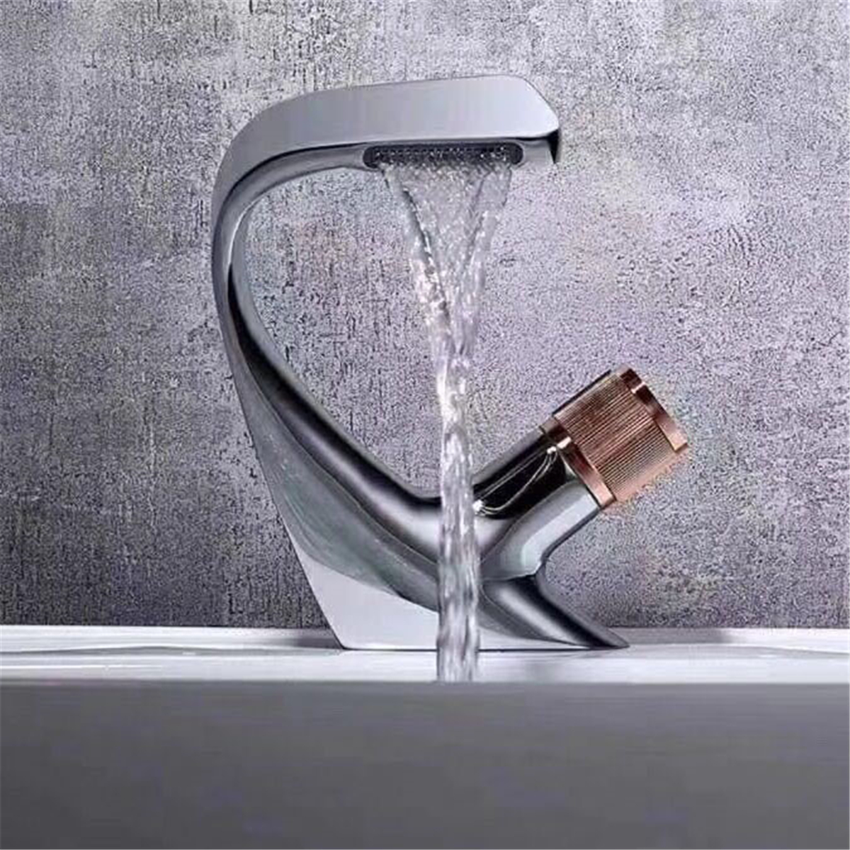 Hf0970565420e44f494fa710fe1217222i Black Faucet Bathroom Sink Faucets Hot Cold Water Mixer Crane Deck Mounted Single Hole Bath Tap Chrome Finished