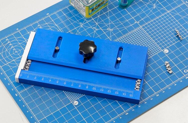 Trumpeter Master Tools 09967 Track Maker Model Assembly Jig for Track Links
