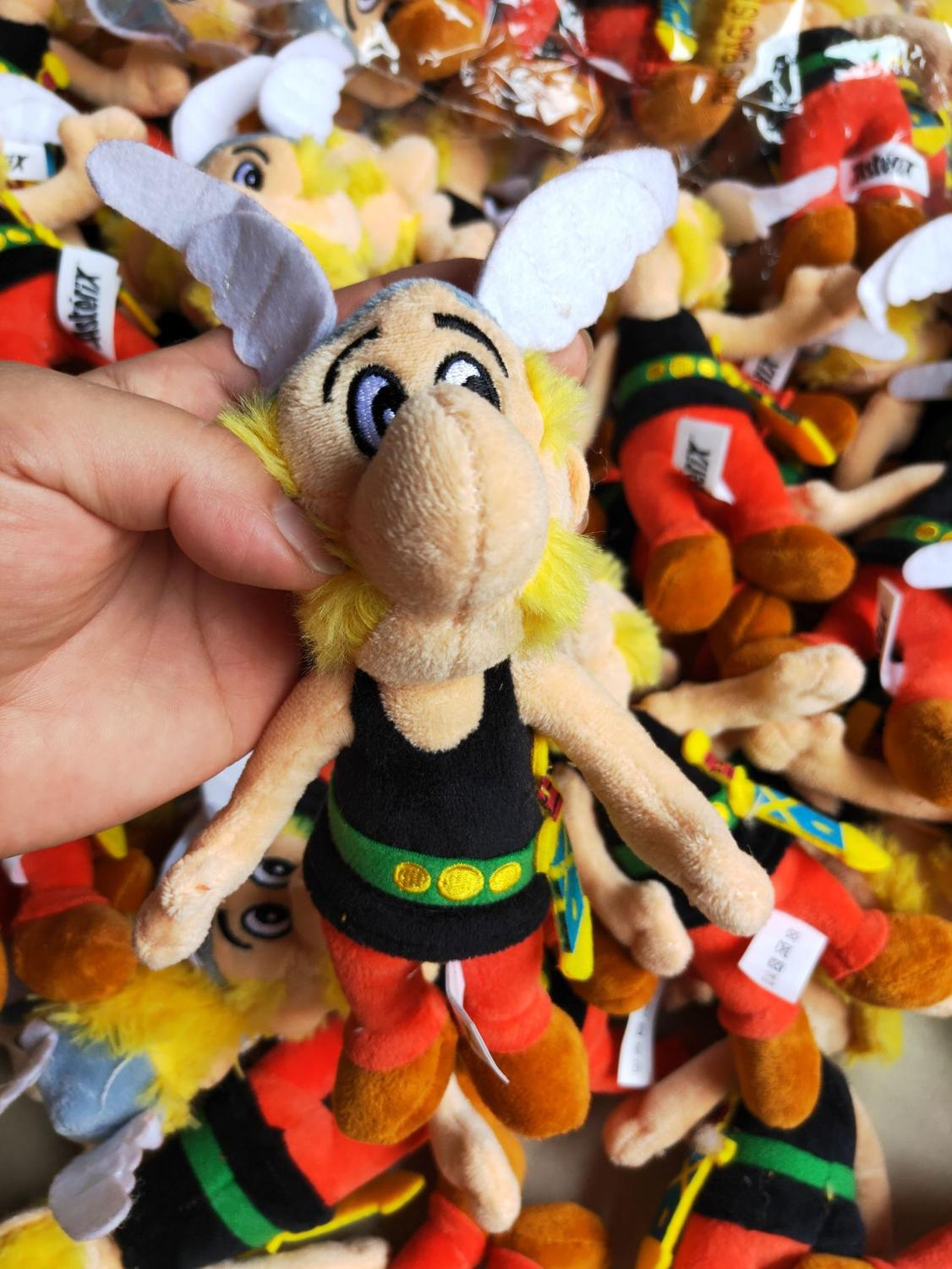 1pcs 18cm Classic France Cartoon The Adventures of Asterix plush toy ascotte Doll Soft Stuffed Toys Kids Childrens Gifts