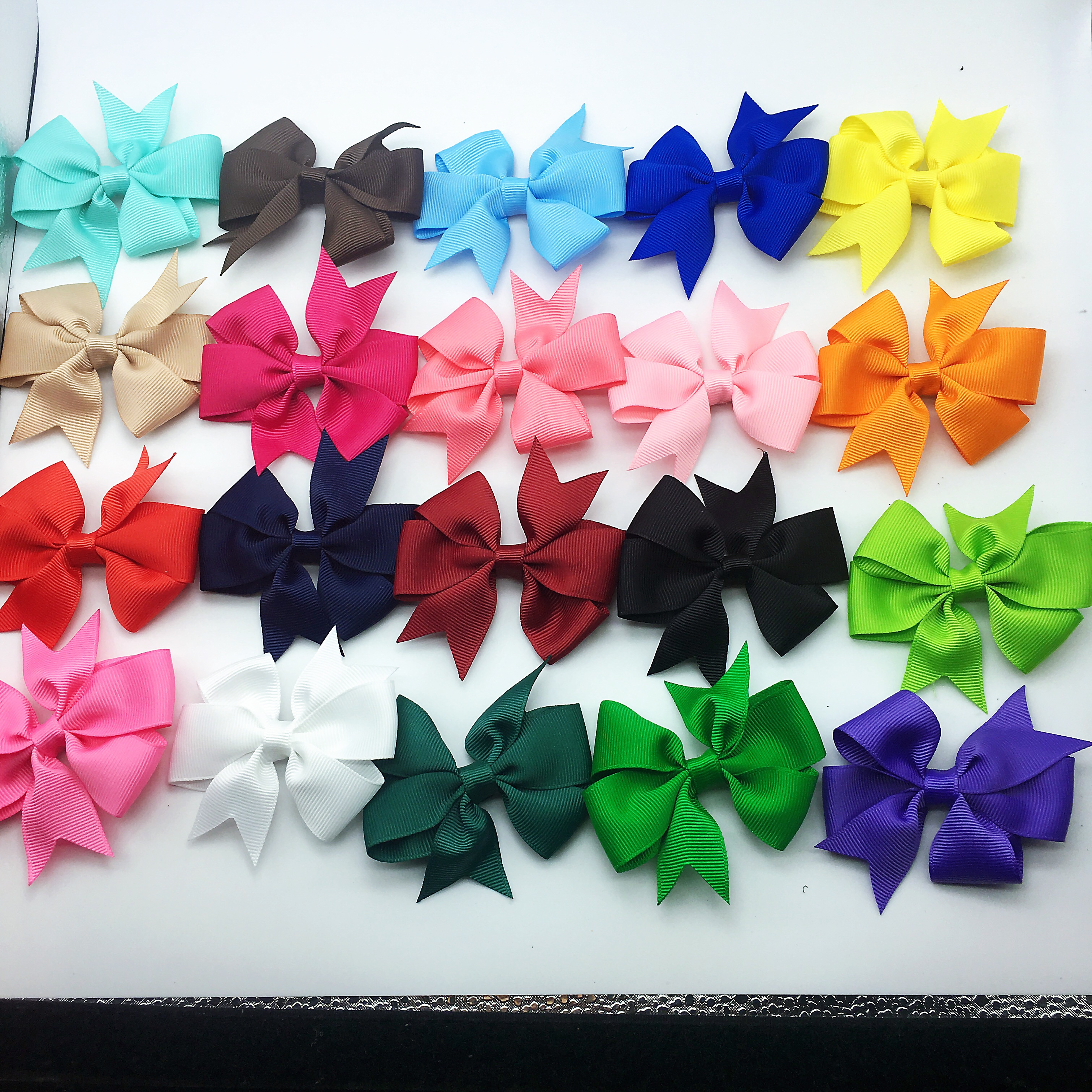 10pcs 3 Inch Polyester Girls Hair Bows Hairpins Fastion Boutique Solid Bows Hair Clips Children Hair Accessories 20 colors in Hair Accessories from Mother Kids