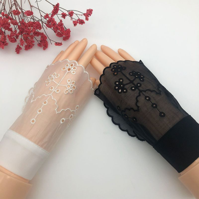 Women Sheer Horn Cuffs Hollow Embroidered Floral Patterned Sunscreen Fake Sleeve