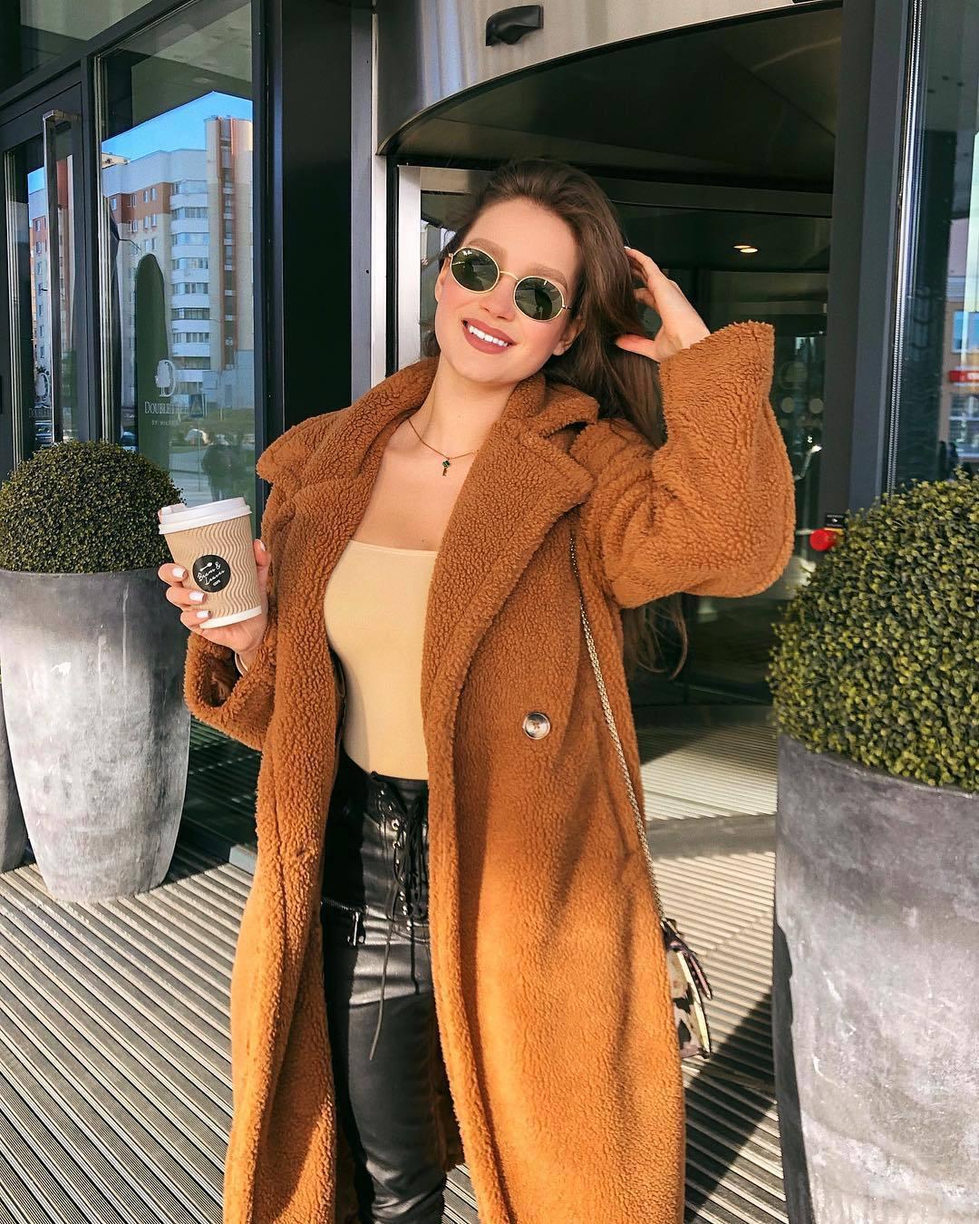 2020 Winter New Thick Warm Teddy Bear Jacket women Solid Casual Oversized Outerwear Overcoat Women Faux Lambswool Fur Coats