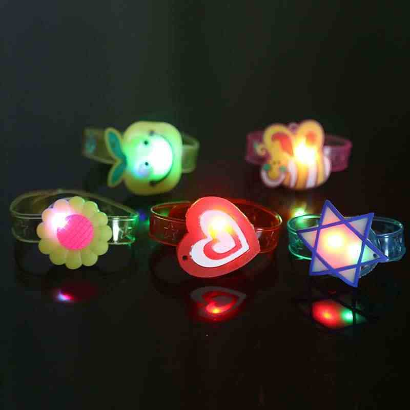 2020 Multicolor Flash Light ของเล่นมือ Take Dance PARTY คุณภาพสูง Dinner PARTY ของขวัญเด็กสุ่ม LED สีโคมไฟ LIGHT
