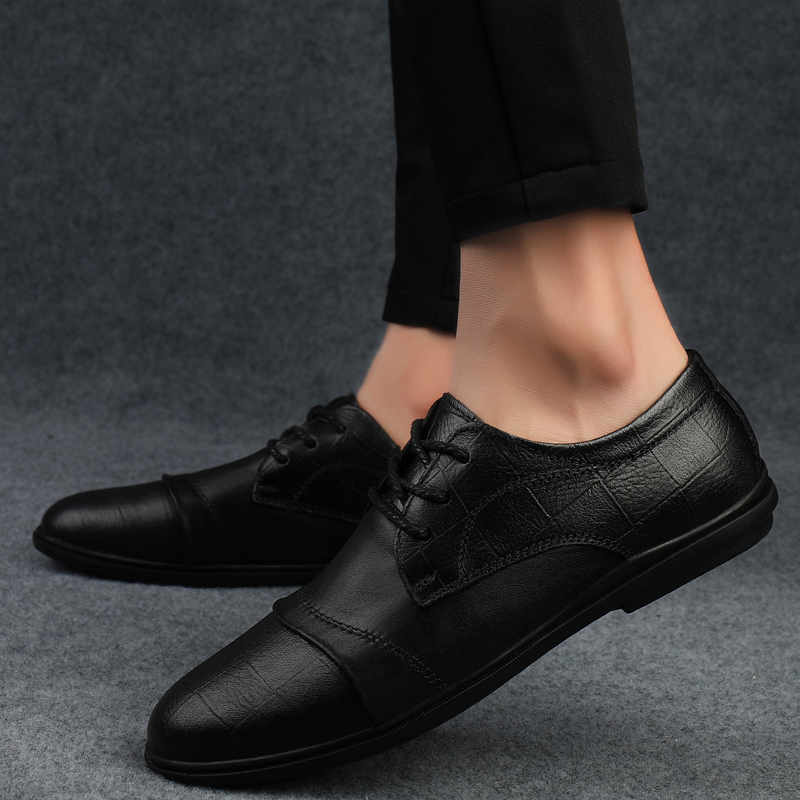 Classic Style Men Casual Sneaker Shoes Outdoor Fashion Black Designer Men Genuine Leather Shoes Light Comfortable Flats Shoes O5