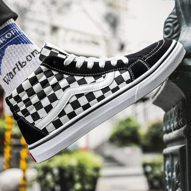 2020 New High Top Classic Checkered Vulcanized Shoes Women Skateboarding Shoes Top Quality Men Black White Canvas Shoes