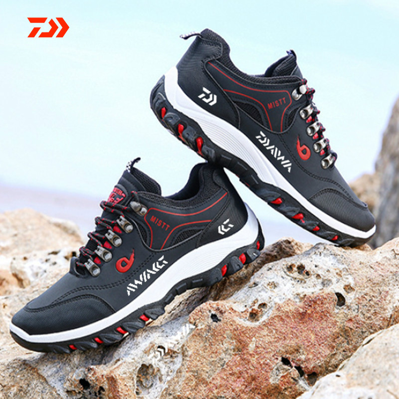 Men Daiwa Hiking Fishing Shoes Anti-skid Mountain Climbing Boots Outdoor Athletic Breathable Waterproof Anti-wear Fishing Shoes
