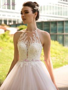 Image 3 - Julia Kui Vintage Ball Gown Wedding Dress 2020 Customized Sexy Halter Backless Court Train Princess Wedding Gowns