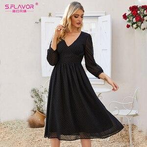 Image 5 - S.FLAVOR mujeres negro Sexy fiesta Vestidos 2020 otoño moda nuevo vestido de gasa mujeres cuello pico ajustado bohemio A line Vestidos