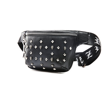 The new fashion is trendy, oblique, straddling, male, single shoulder, couple, small bag, trendy, trendy. фото