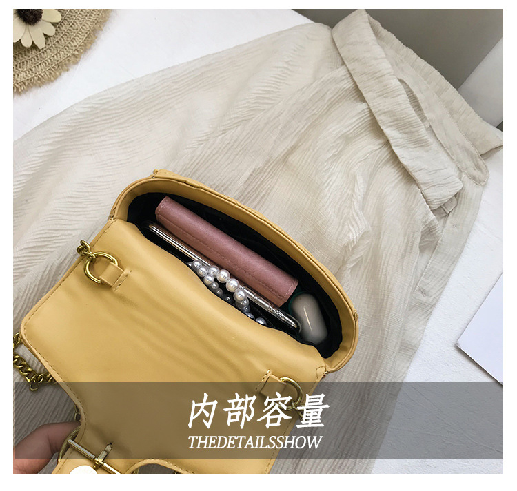 Image 5 - Beautiful girl rivets small crowdsourcing 2019 new fashion single shoulder oblique shoulder texture small chain saddle bag-in Top-Handle Bags from Luggage & Bags