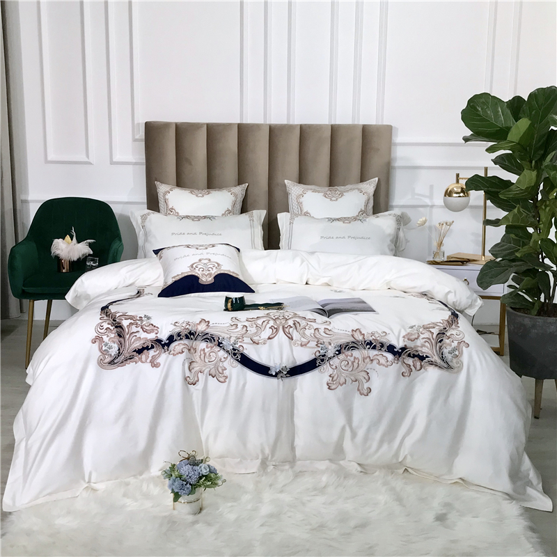 New White Green Pink <font><b>Luxury</b></font> European Royal Embroidery 100S <font><b>Egyptian</b></font> <font><b>cotton</b></font> <font><b>Bedding</b></font> <font><b>set</b></font> Duvet Cover Bed Sheet/Linen Pillowcases image