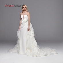 Vivians Bridal Sexy Strapless Deep Cut out Satin Bridal Dress 2019 Elegante Ruches Tulle Afneembare Trein Backless jurk