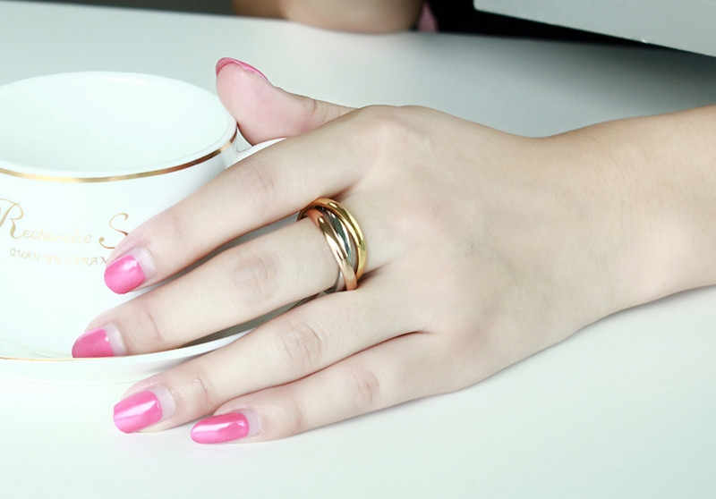 ZORCVENS Clássico 3 Rodadas Conjuntos Anel de Dedo Fêmea Jóias de Noivado Casamento de Aço Inoxidável Mulheres