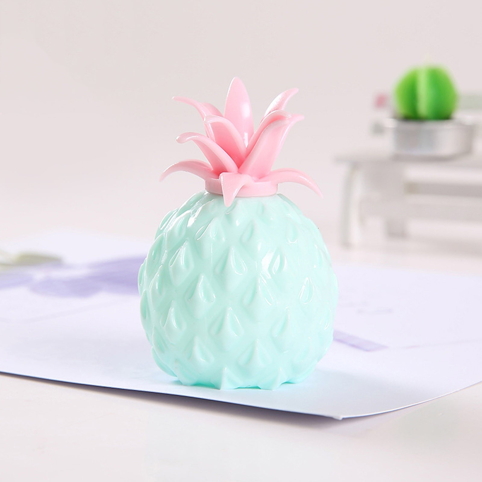 2021 Fidget Toys New Simulation Flour Pineapple Decompression Toy Office Pressure Release img2