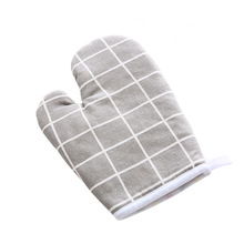 Kitchen Baking Gloves Microwave Oven Gloves High Temperature Resistant Heat Insulation Gloves Oven Gloves Anti-Hot Gloves thickening cotton gloves heat resistant gloves heat insulation safety gloves microwave oven gloves g0408