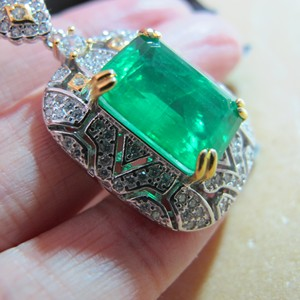2020 new Designer fashion Real S925 sterling silver with Synthetic Emerald stone pendant Vintage jewelry for women