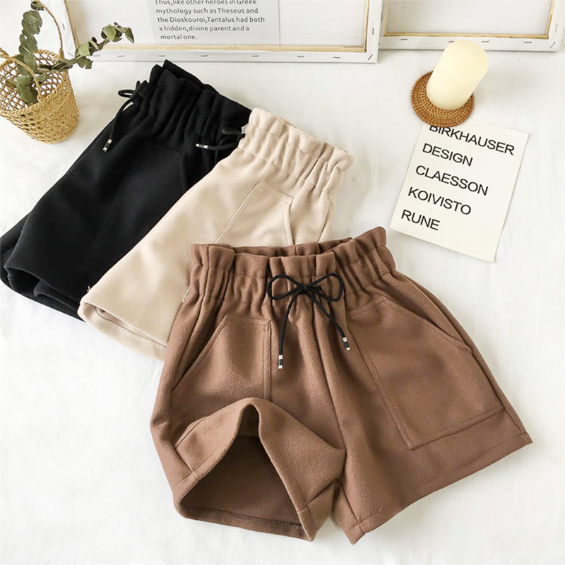 1PCS Women Shorts Autumn And Winter High Waist Shorts Solid Casual Loose Thick Warm Elastic Waist Straight Booty Shorts Pockets
