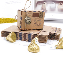100pcs Vintage Favors Kraft Paper Candy Box Travel Theme Airplane Air Mail Gift Packaging Box Wedding Souvenirs scatole regalo