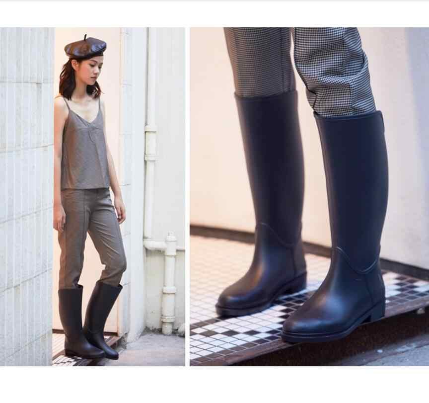 2019 moda Wellies kadınlar yağmur çizmeleri binici çizmeleri su ayakkabısı stil Antiskid diz yüksek yağmur çizmeleri galoş siyah mavi