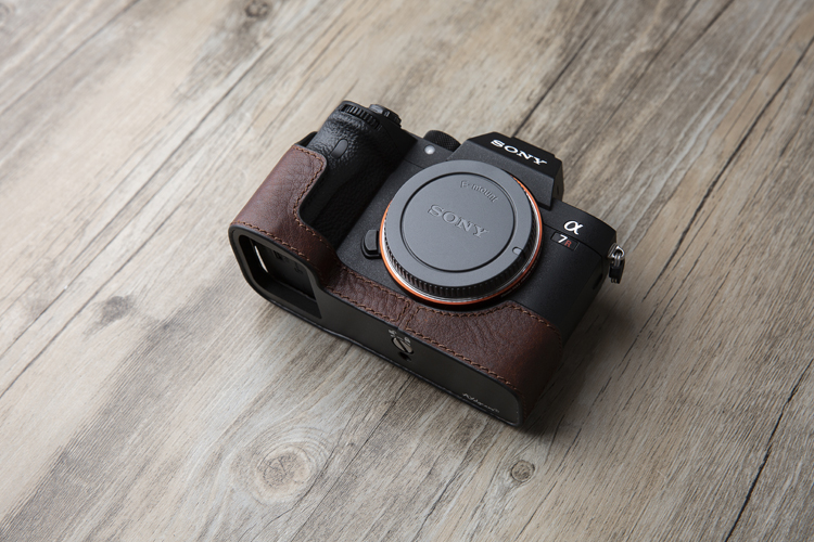 Sony A7S3 A7SIII A7Siii A7SM3Handmade Genuine Leather hand crafted stitch Camera Half cases insert bag Protector Tripod mount battery access