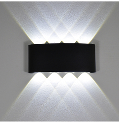 2W 4W 6W 8W LED ściana światło na zewnątrz wodoodporna nowoczesny Nordic styl kryty kinkiety salon pokoju ganek lampa ogrodowa AC90 260V w Zewnętrzne lampy ścienne od Lampy i oświetlenie na