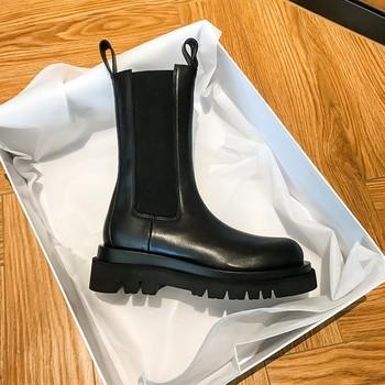 Nowa luksusowa Chelsea Boots kobiety kostki buty Chunky buty zimowe platformy kostki buty Slip On zwykłe szpilki gruby obcas BV Boot marka projektant tanie i dobre opinie VRLVCY CN (pochodzenie) ANKLE Pasuje prawda na wymiar weź swój normalny rozmiar Okrągły nosek Zima Gumką Stałe Mieszkanie z