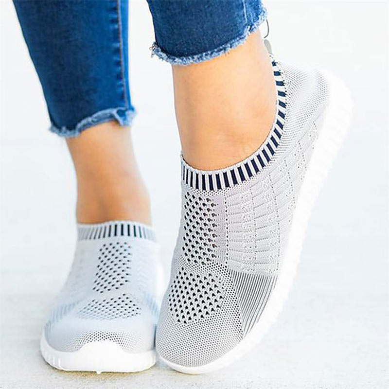 Sneakers Women Shoes 2020 Solid Color Round Toe Light Comfortable Breathable Casual Shoes Women Sneakers Socks Shoes Plus Size