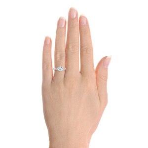 Image 5 - Huitan Anillo de Ceremonia de boda con zirconia, diseño exquisito, clásico, 4 garras