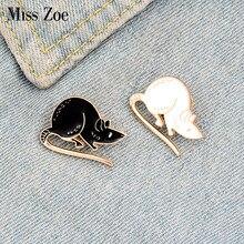 Preto branco rato esmalte pino personalizado mouse broches animal emblema saco camisa lapela pino fivela simples jóias presente para amigos