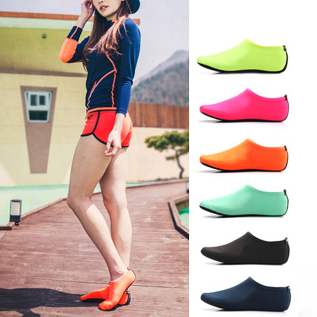 2020 Unisex Outdoor Beach Sandals Soft Plush Slides Flats Non-Slip Shoes Adults Slippers Summer Swimming Water Breathable Shoes 1