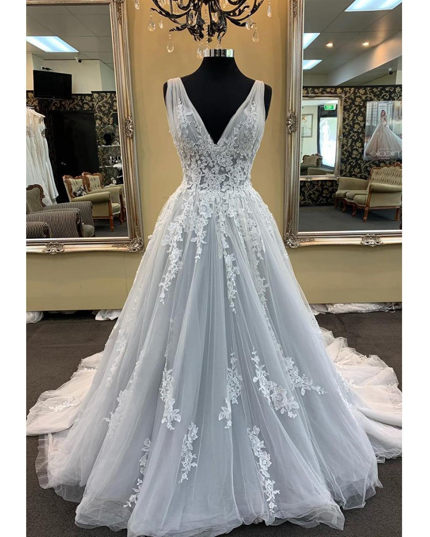 Simple Wedding Dress Lace Applique Princess V Neck Sleeveless Tulle Bridal Gown Robe Mariage Vestido De Noiva Praia