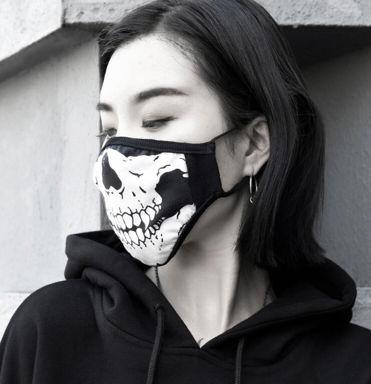 Men Women's Windproof 100% Cotton Mask Lady's PM 2.5 Hip Hop Punk Breathable Skull Print Sunscreen 100% Silk Mouth-muffle R2736
