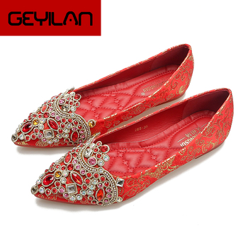 Wedding Shoes Women 2020 New Spring Chinese Red Flat Wedding Shoes Bride Red Shoes Banquet Flat Heel Pointed Toe Diamond 34-41