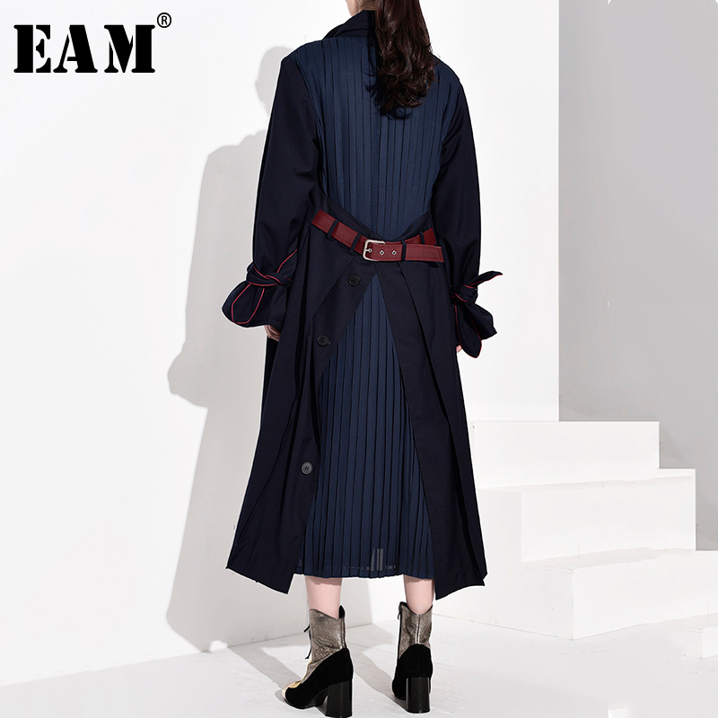 [EAM] Women Back Vent Pleated Split Long Trench New Lapel Long Sleeve Loose Fit Windbreaker Fashion Tide Spring 2020 WB54704