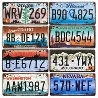 米国テキサス · ニューヨークカリフォルニア車番号メタルナンバープレートの装飾壁 · パブガレージ錫プラーク & 看板