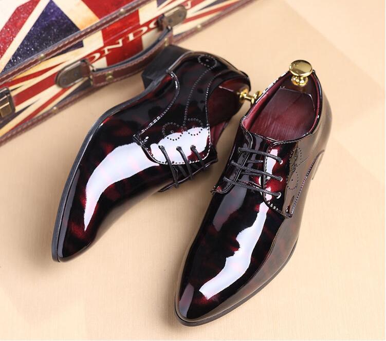 Роскошные Дизайнерские Кожаные броги; мужские туфли на плоской подошве; повседневные мужские оксфорды в британском стиле; модные модельные туфли; большие размеры; chaussures - Цвет: Красный