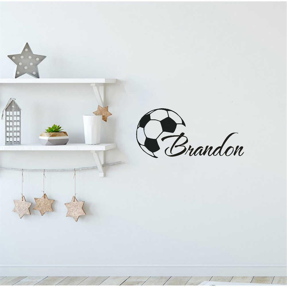На заказ крутые футбольные Мальчики имя наклейки на стену виниловая Фреска для мальчиков номер личности Футбол плакат украшение дома