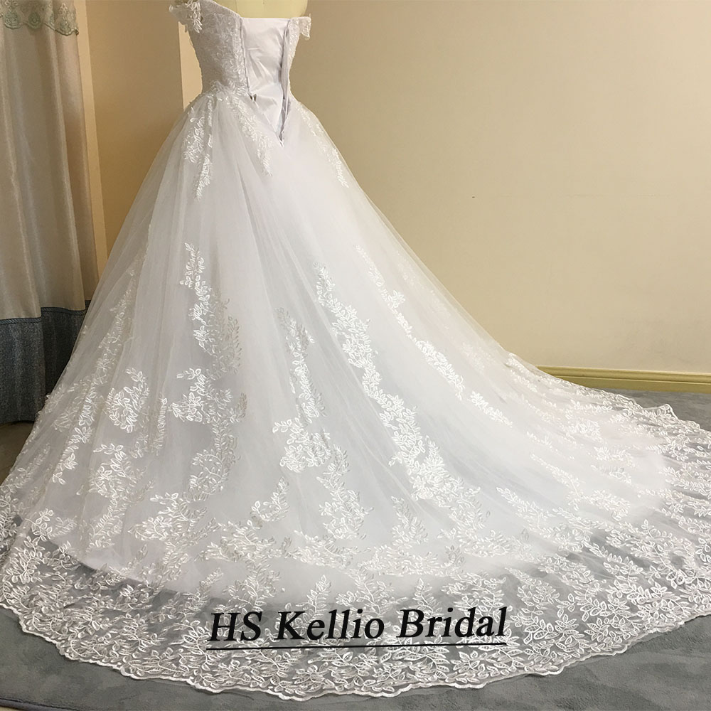Image 3 - Wedding Dress Real Sample Lace Appliques Ball Gown Bridal Dress With 1 m Tail-in Wedding Dresses from Weddings & Events