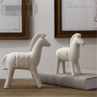 Modern Simple Abstraction Ceramics Horse Statue Creative Children Bedroom Bedside Table Art Decorations X2731