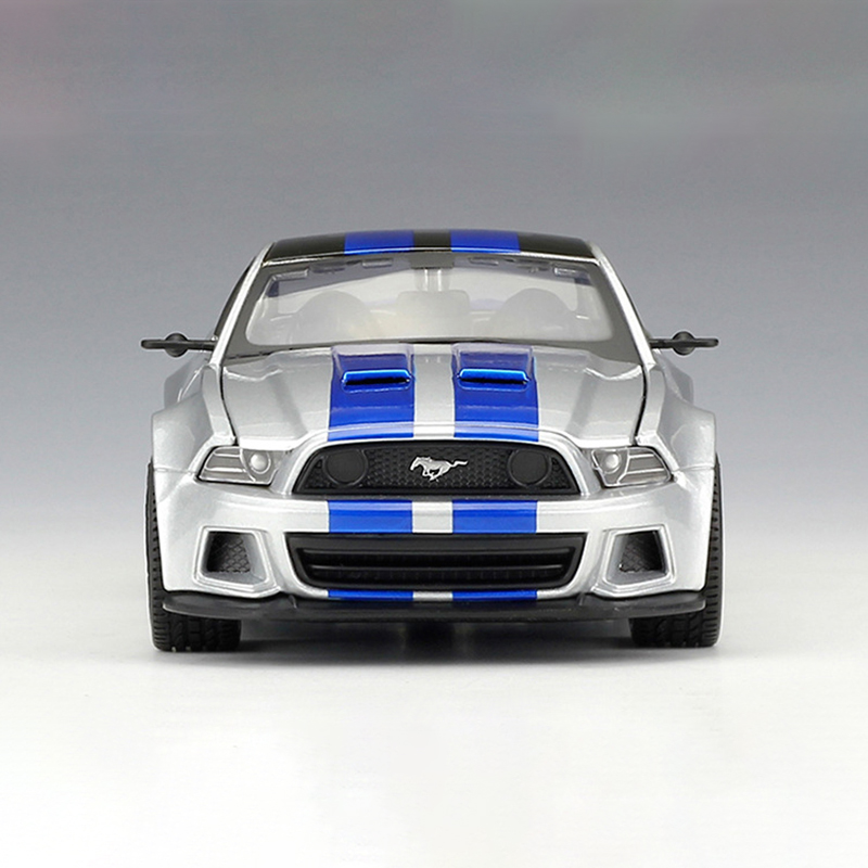 Maisto 1 24 diecast Car 2014 Ford Mustang Street Racer Diecast Car Model Toy Vehicle Car