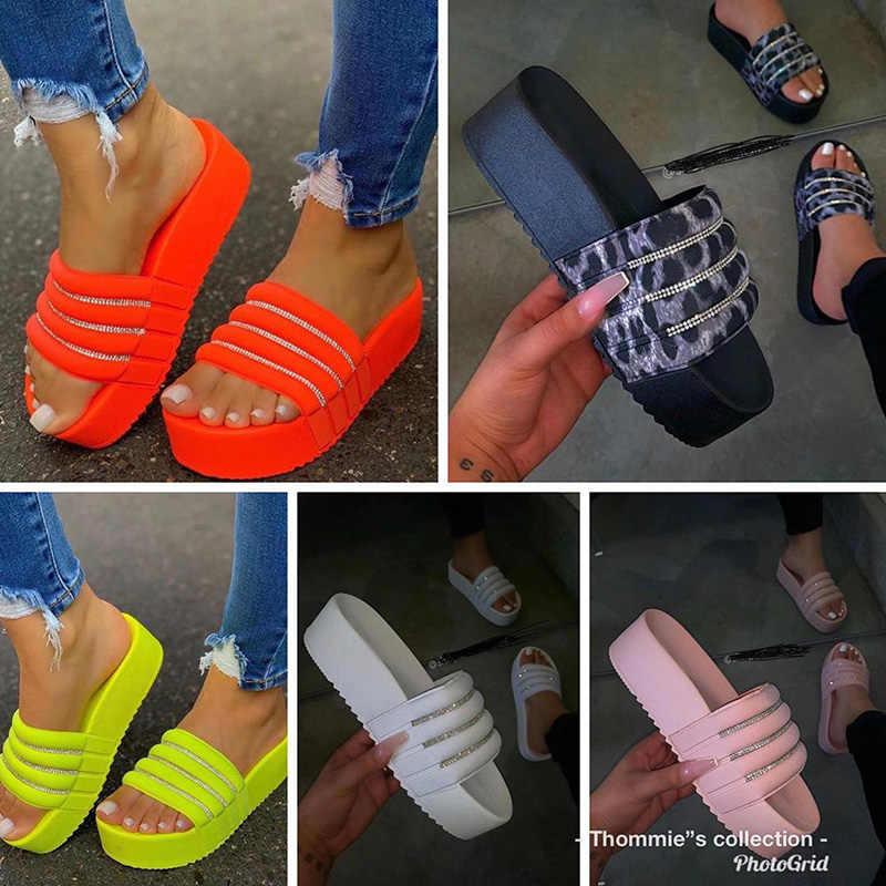2020 женские блестящие шлепанцы со стразами; Женские удобные шлепанцы; Женская модная летняя пляжная обувь; Женская повседневная обувь на плоской подошве; Большой размер 43